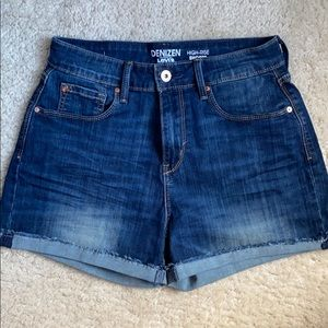 Levi's Denizen high rise denim shorts, size 4